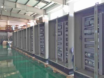 公司拥有十多年从事自动化行业经验丰富的工程师和技术人员,工程承揽事业部主要有: 一、电气系统设计:各种自动化设备的电气线路规划,电气原理图纸的绘制等; 二、PLC程序编写,各品牌PLC如:三菱 Mitsubishi 、欧姆龙 OMRON 、松下 Panasonic 、西门子 Siemens、AB、信捷、汇川等; 三、触摸屏HMI设计:威纶、步科、显控、昆仑通态、信捷等; 四、上位机程序开发; 五、老设备改造升级; 六、电气安装。